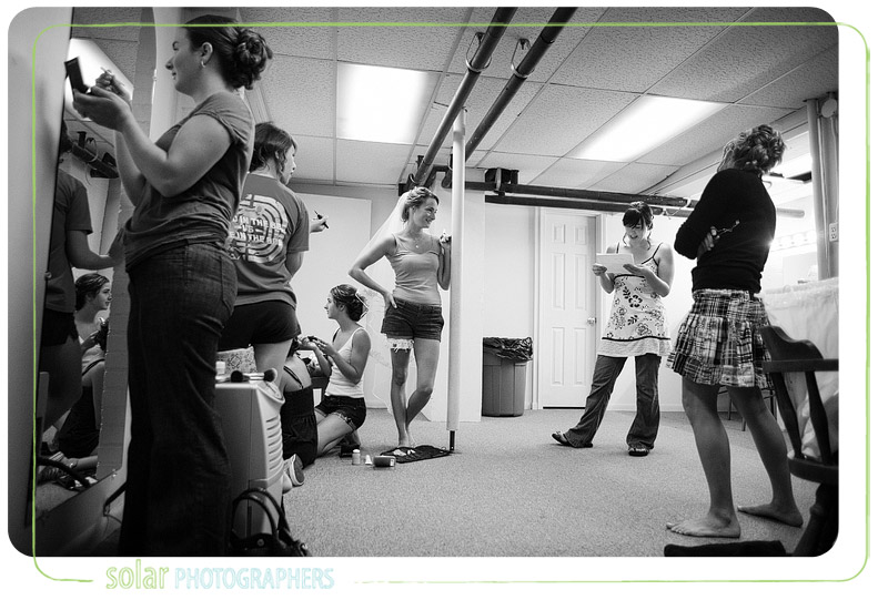 A candid shot of a bridal party getting ready for a wedding in Kansas City.