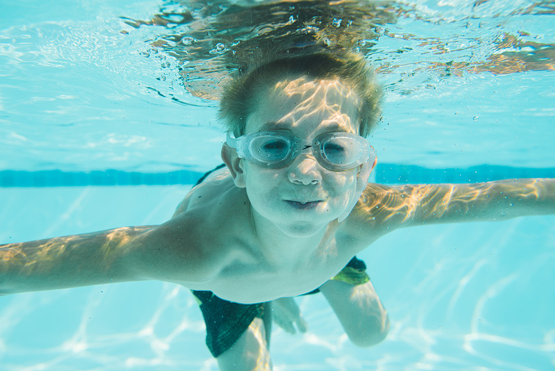 Underwater kid photography.