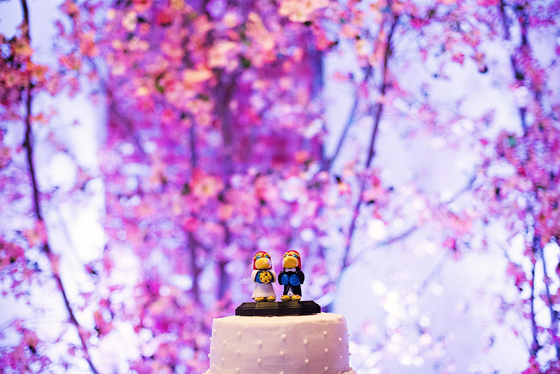 Awesome KU Jayhawk wedding cake topper.