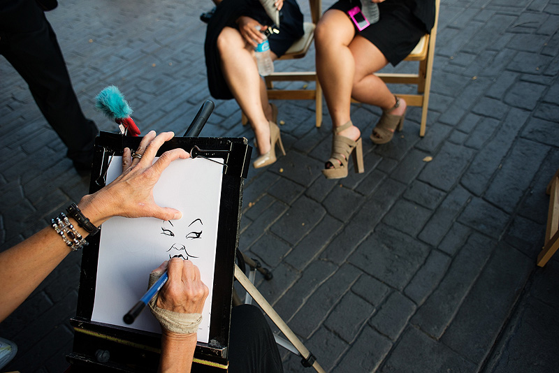 Caricature artist at a wedding in Kansas City.