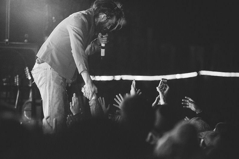 Alex Ebert of Edward Sharpe interacting with fans.