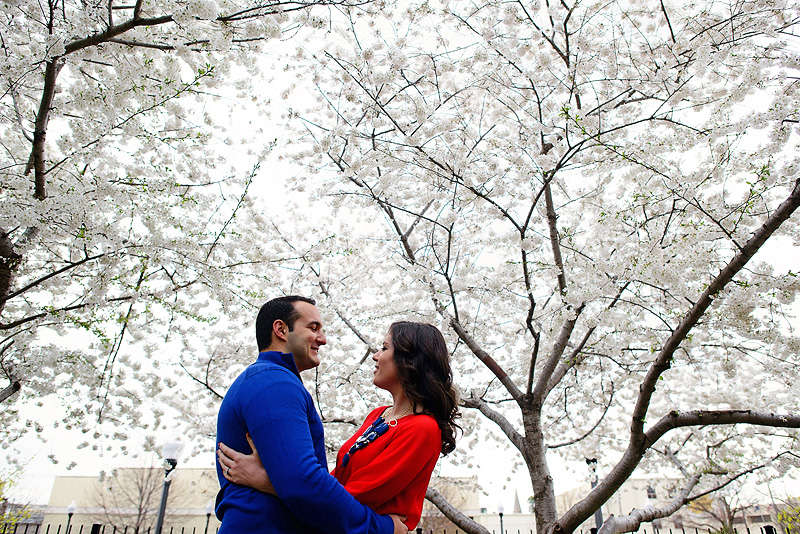 Beautiful spring engagement picture inspiration.