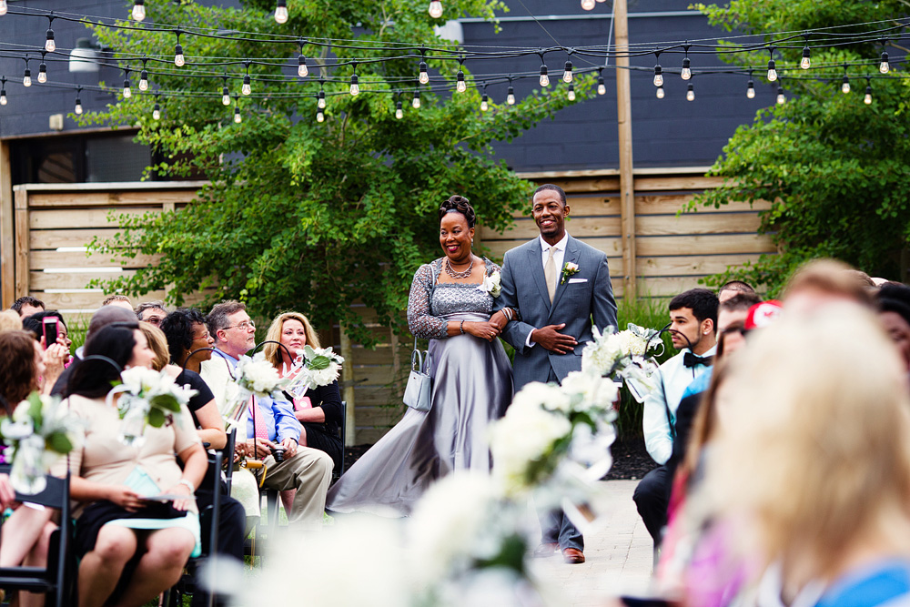 kansas-city-wedding-at-the-guild-in-crossroads-069
