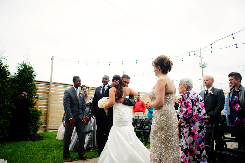 kansas-city-wedding-at-the-guild-in-crossroads-075