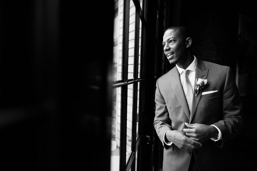 downtown-kansas-city-wedding-photographers-22