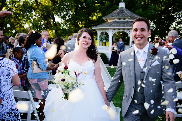 beautiful wedding at the hawthorne house in mo.