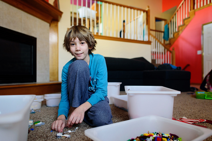 boy building legos